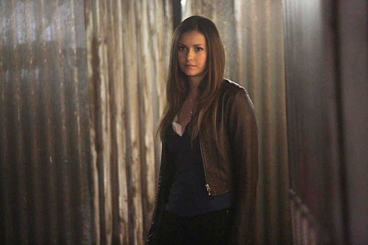 Президент CW попросил Нину Добрев вернуться в «Дневники вампира»