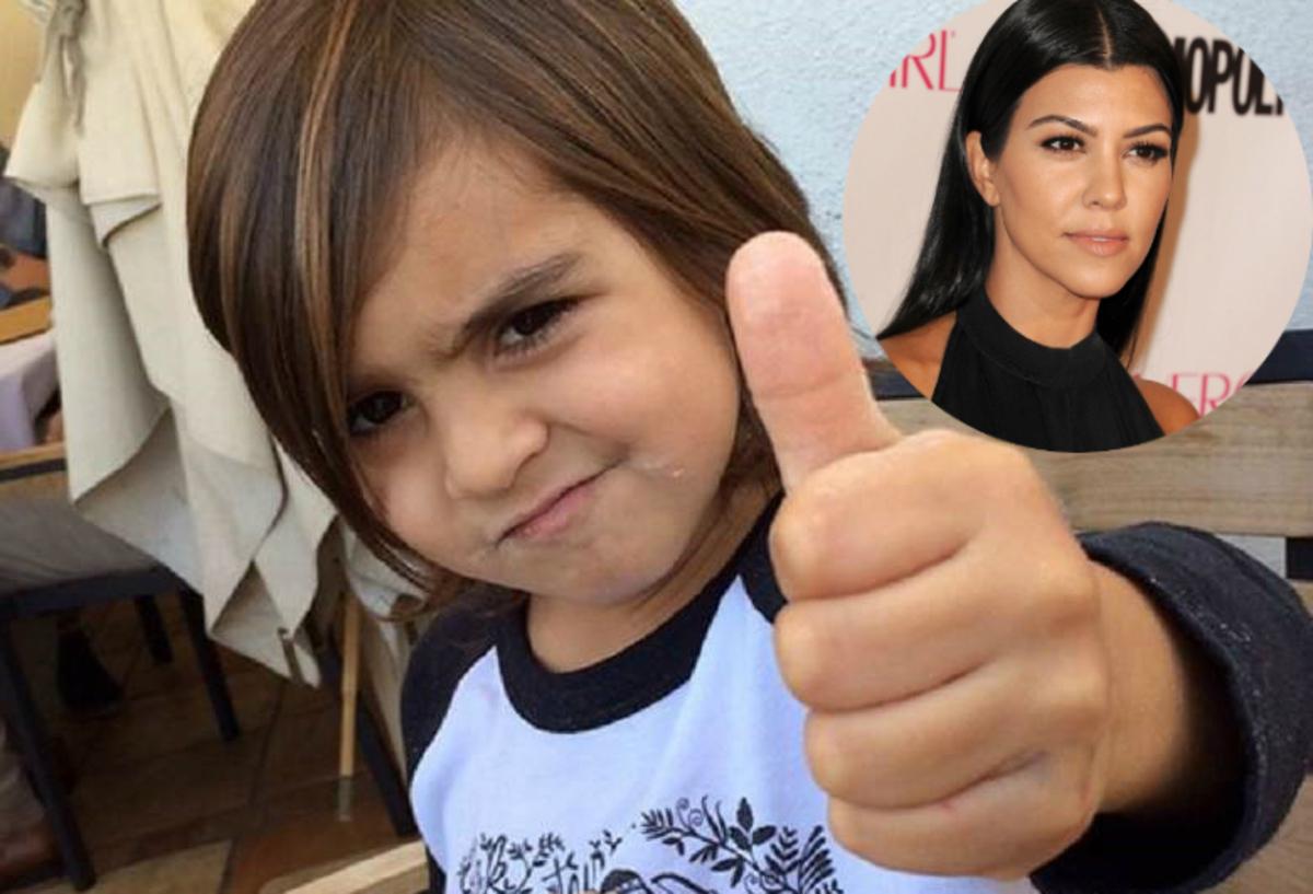Кортни Кардашьян возит 6-летнего сына в детской коляске