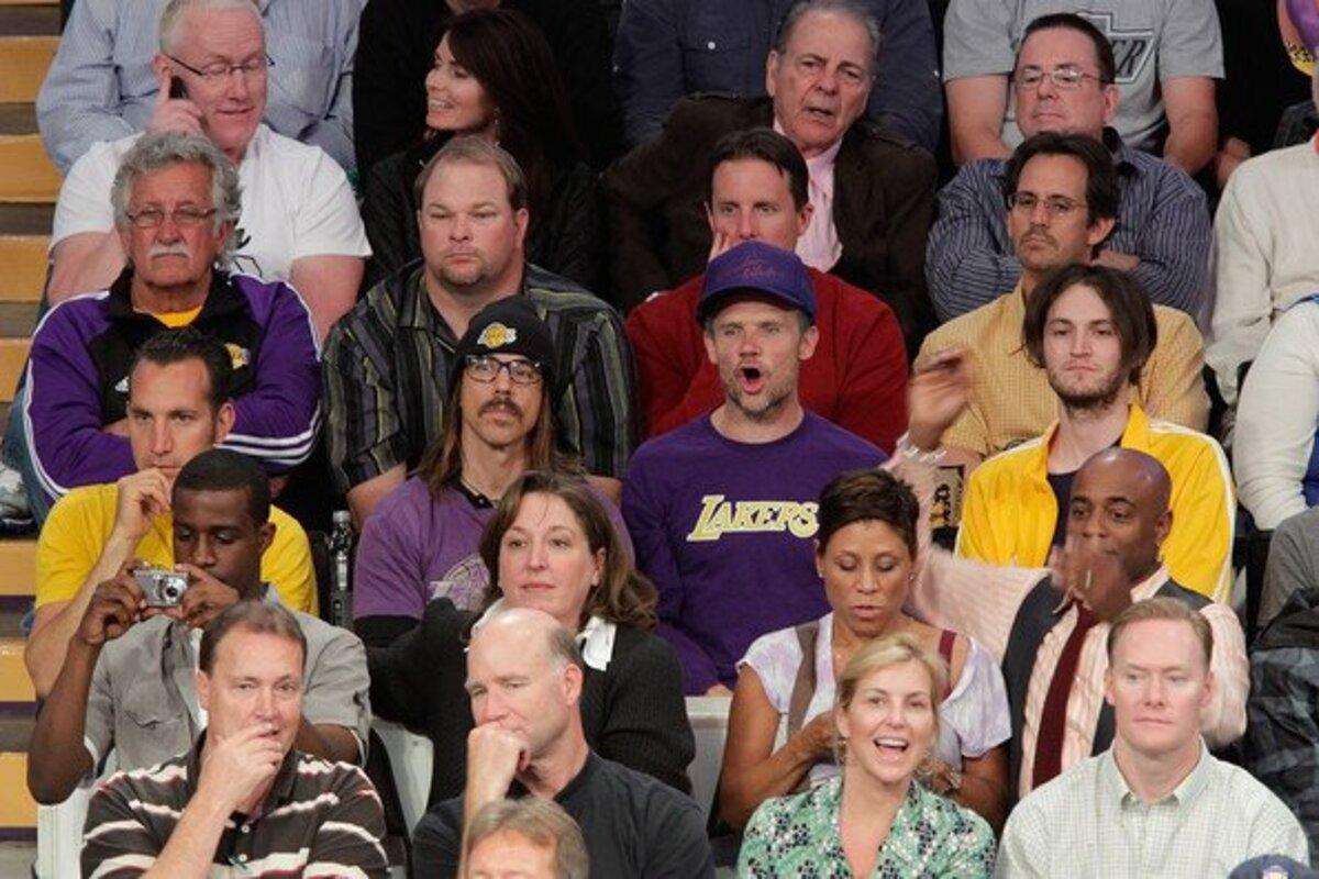 Знаменитые лица на игре Lakers