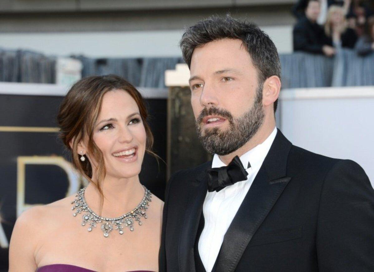 Бен Аффлек и Дженнифер Гарнер продолжат жить вместе после развода