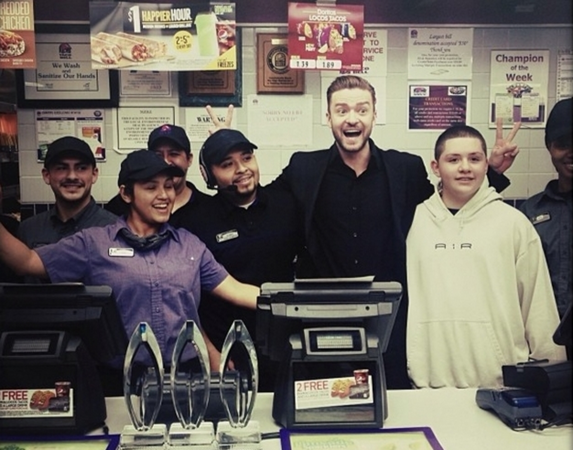 Джастин Тимберлейк отпраздновал победу в Taco Bell