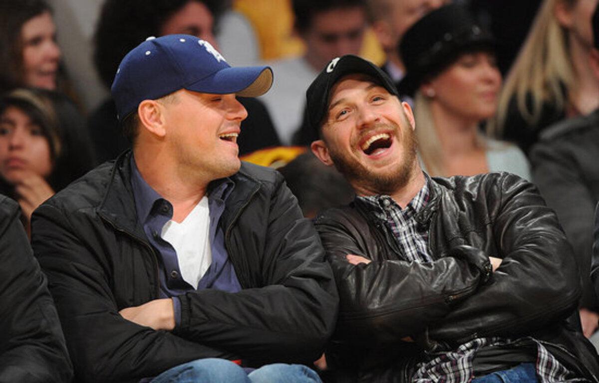 Леонардо ДиКаприо и Том Харди на игре Los Angeles Lakers