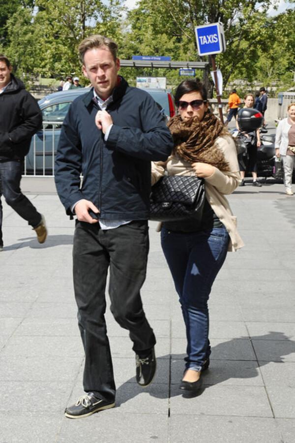 Лили Аллен и Сэм Купер во время медового месяца в Париже