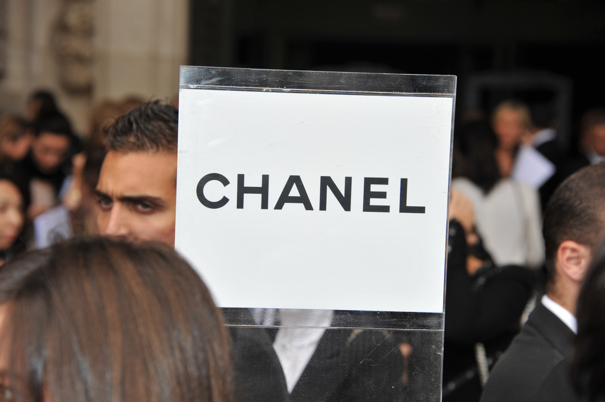 Знаменитости  перед показом Chanel Весна / Лето 2012 на неделе моды в Париже