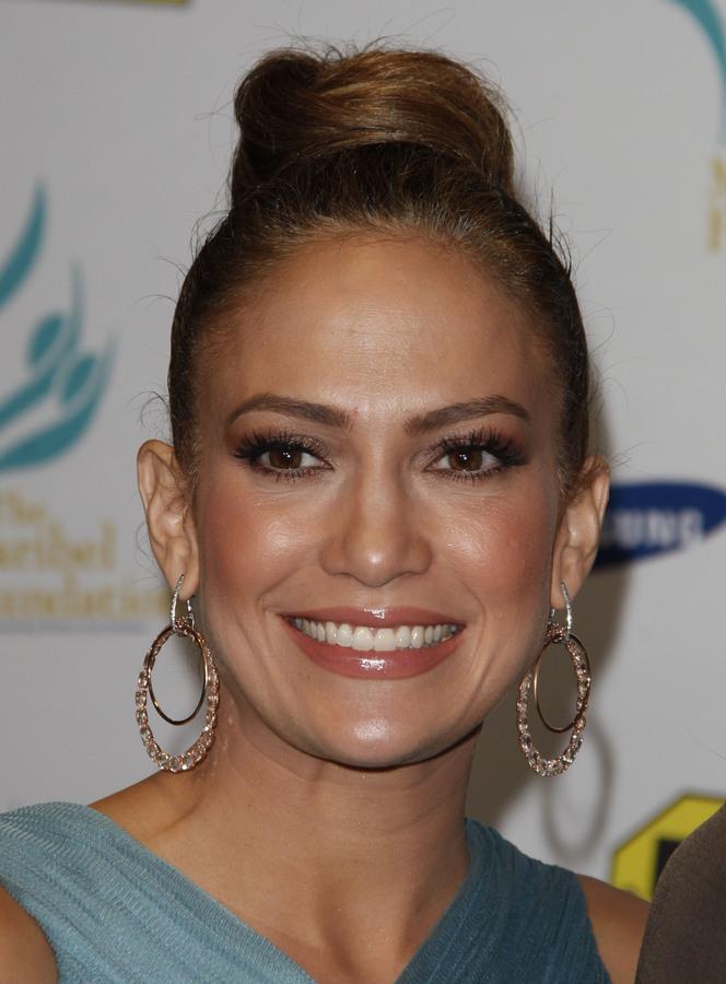 Дженнифер Лопес на пресс-конференции своего фонда Maribel