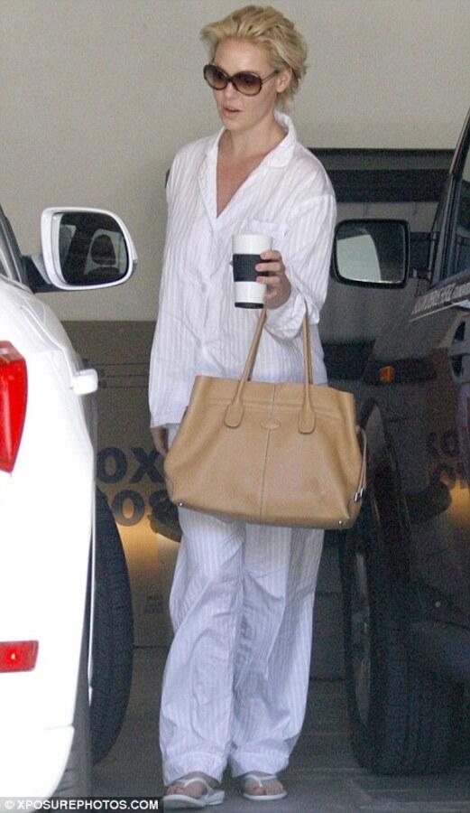 Кэтрин Хайгл собралась на пижамную вечеринку?