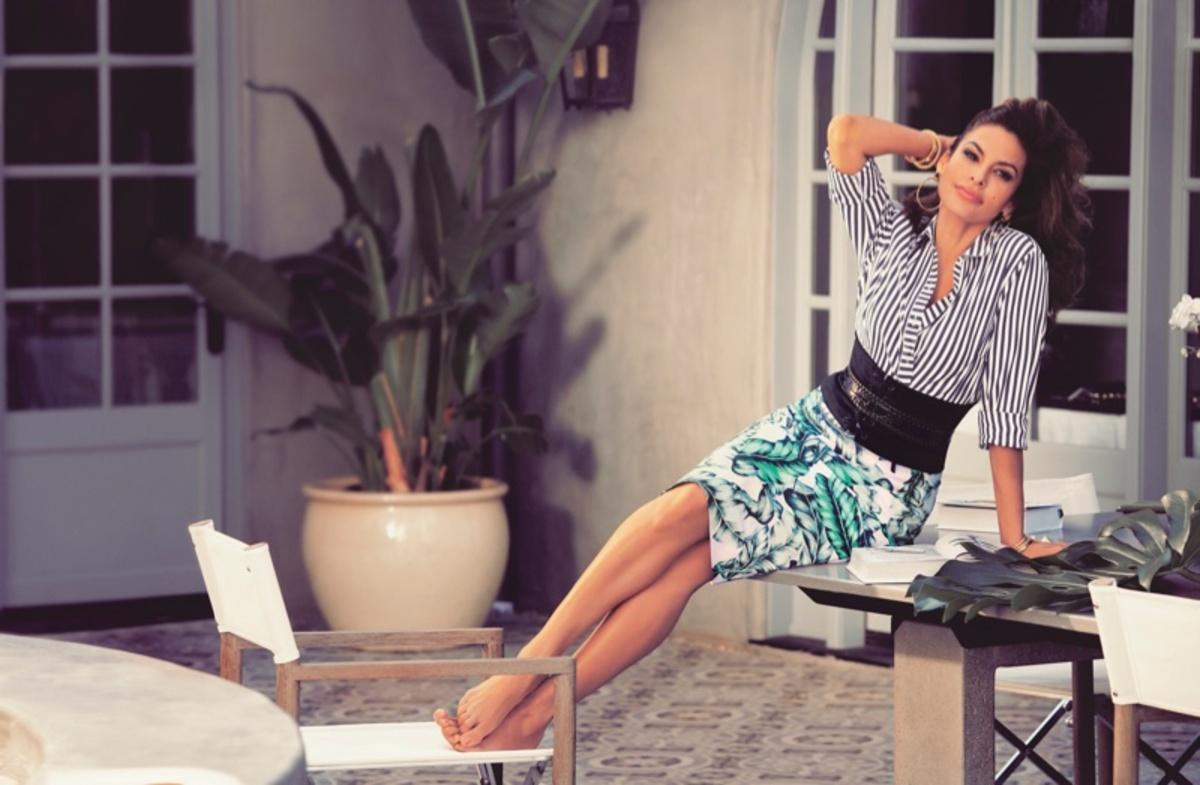 Ева Мендес снялась в рекламе своей новой коллекции одежды для New York & Company