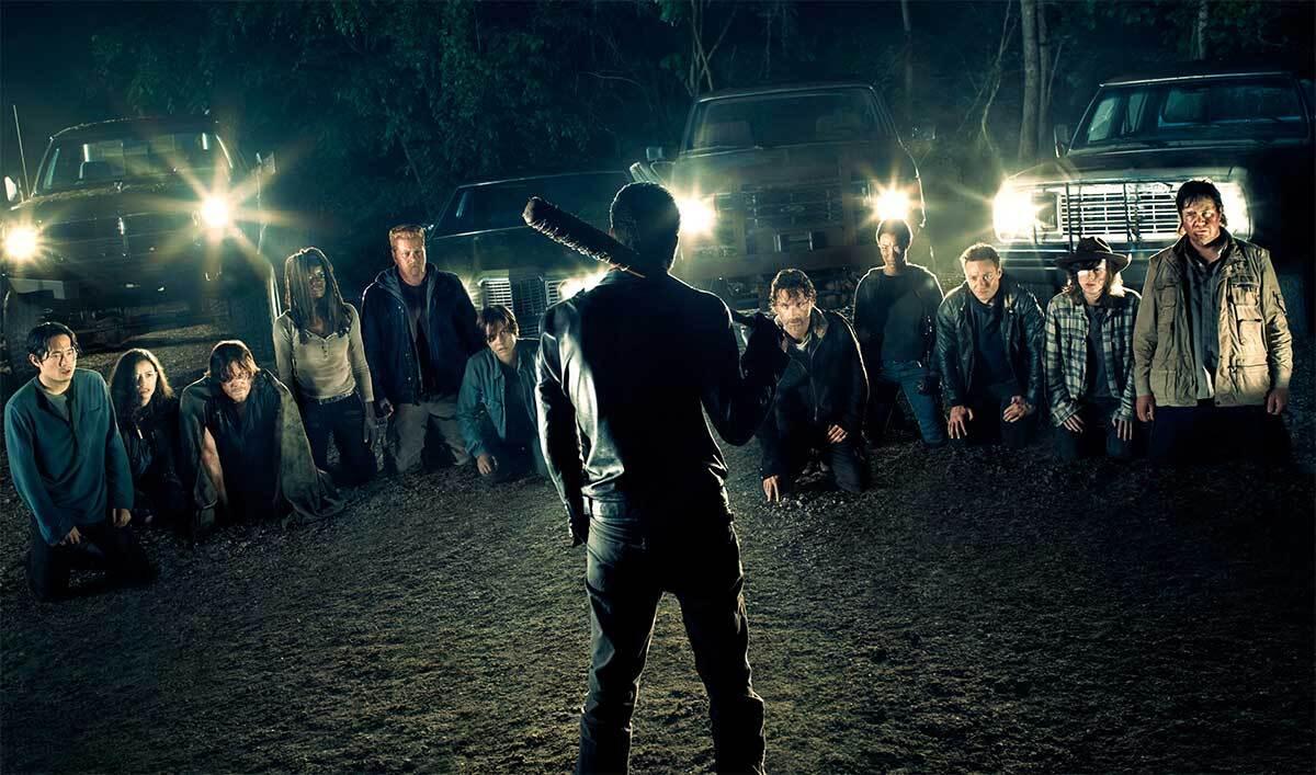 В новом видео из 7 сезона «Ходячих мертвецов» намекнули на смерть Дэрила