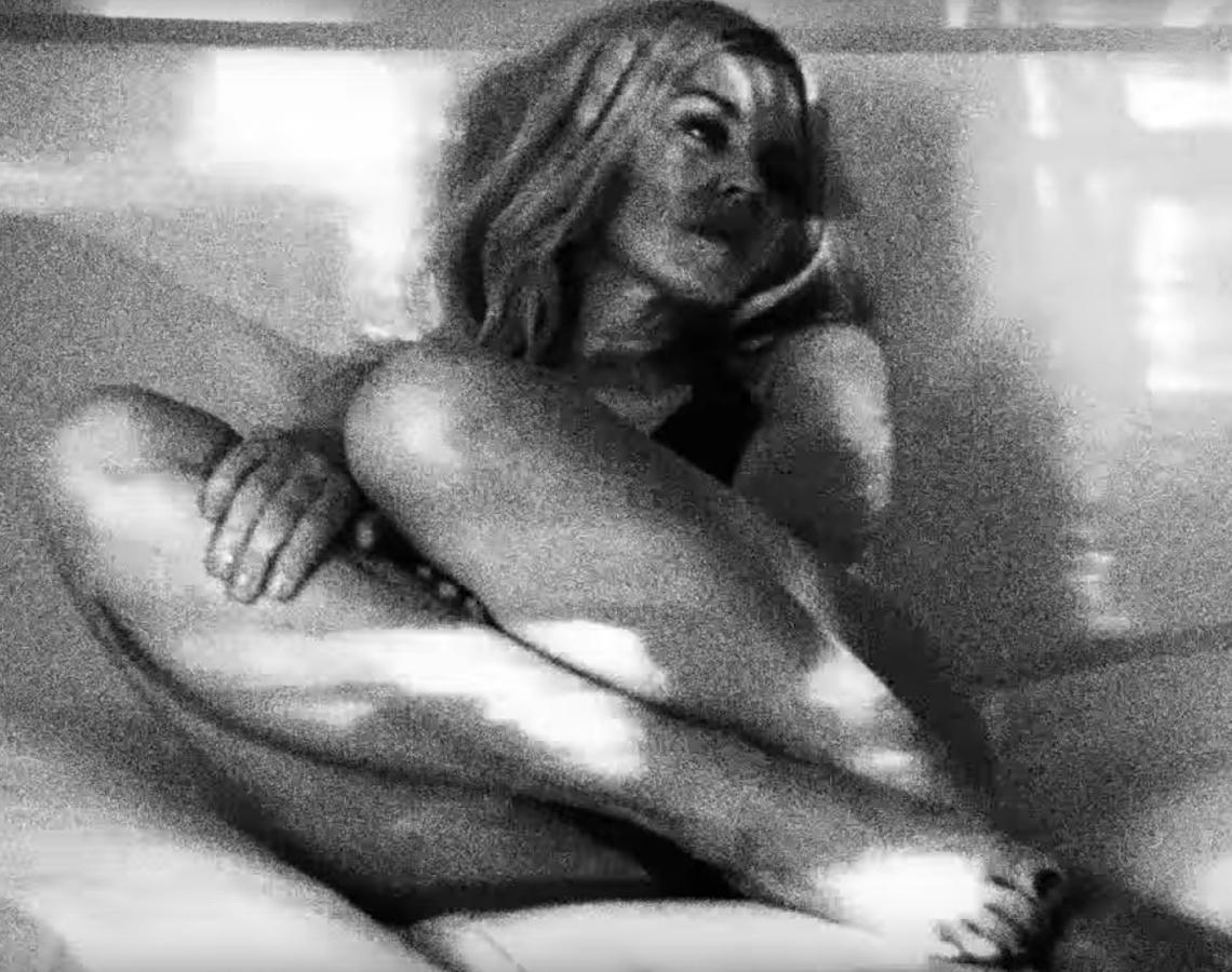 Кайли Минуог представила новый клип Black and White