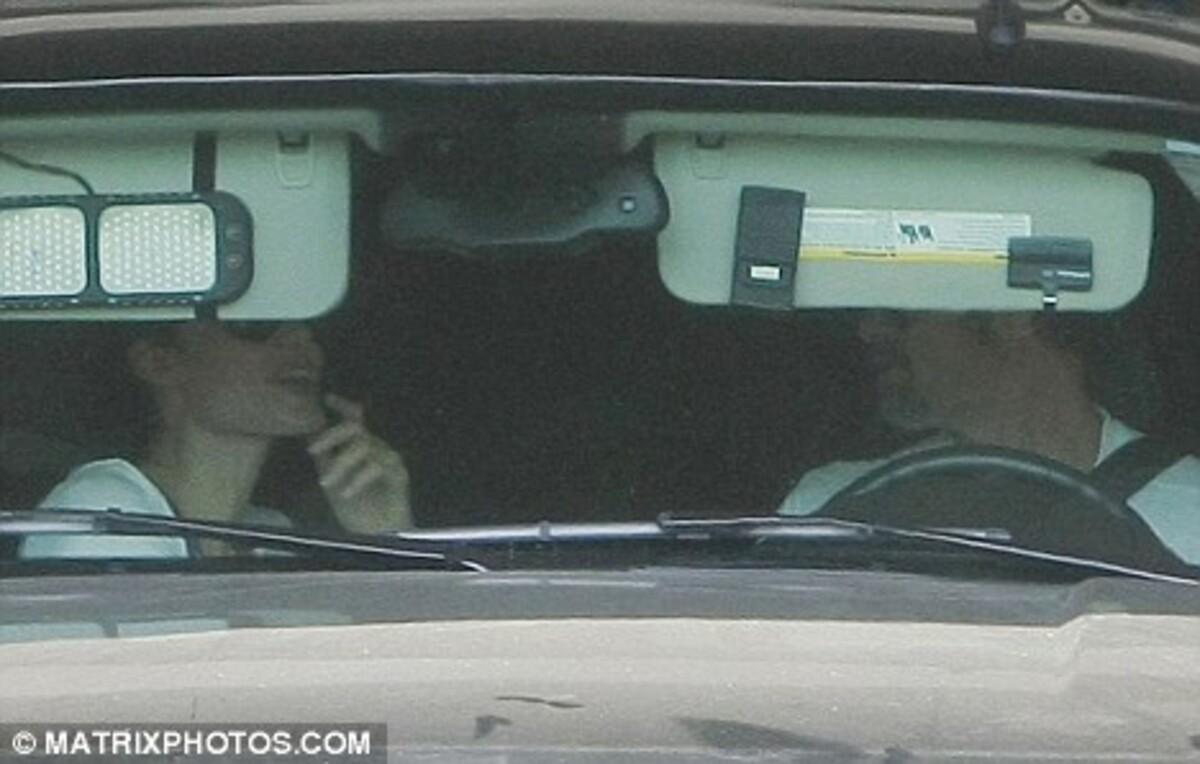 Анджелина Джоли и Брэд Питт тоже любят Макдональдс