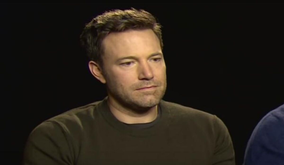 После разгрома «Бэтмен против Супермена» в сети появилось вирусное видео «грустного Бена Аффлека»