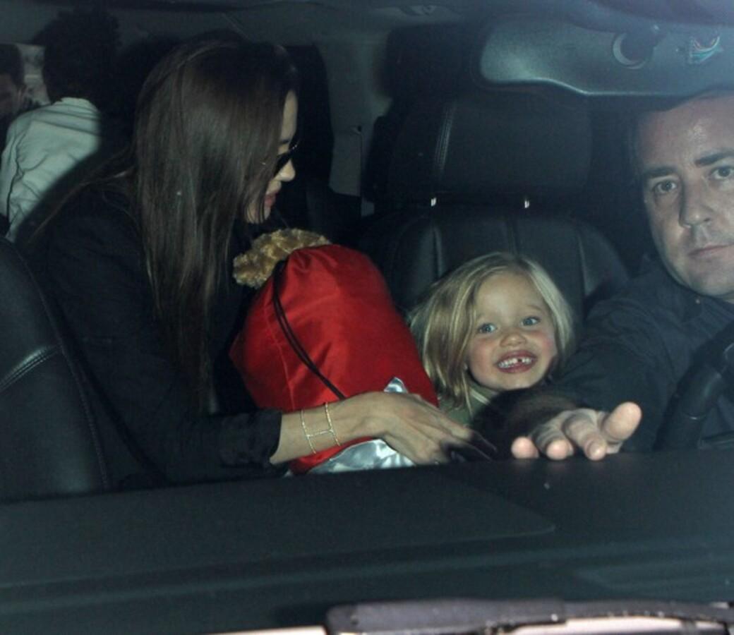Анджелина Джоли с дочерьми в Лос-Анджелесе