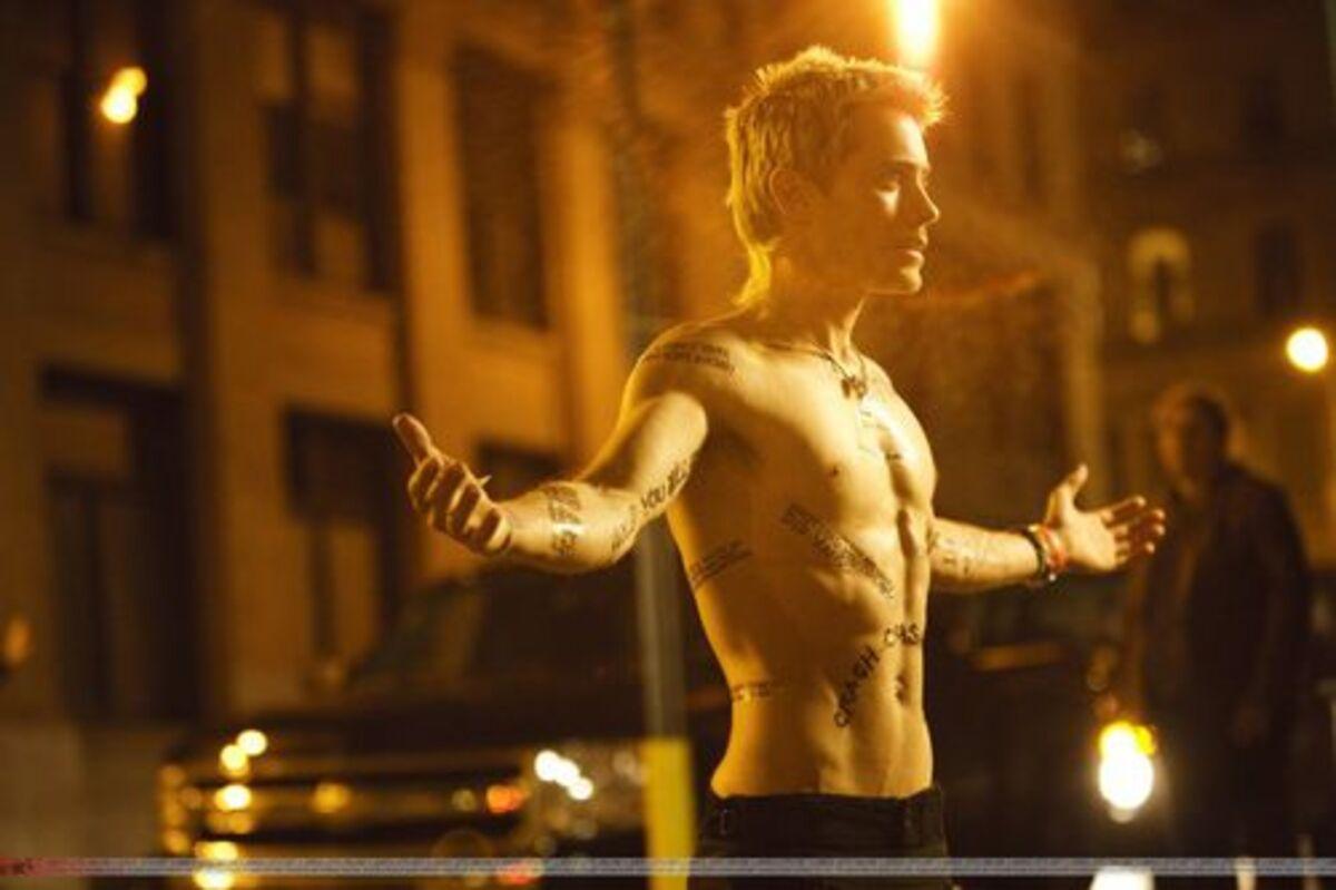 Тизер нового клипа группы 30 Seconds To Mars - Hurricane