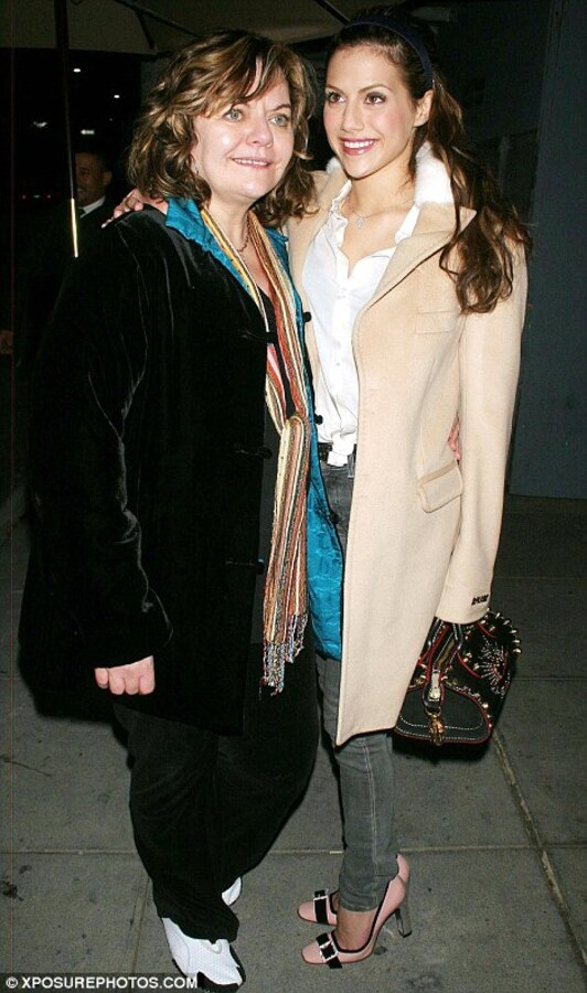 Мама Бриттани Мерфи: Я представляю, что она не умерла