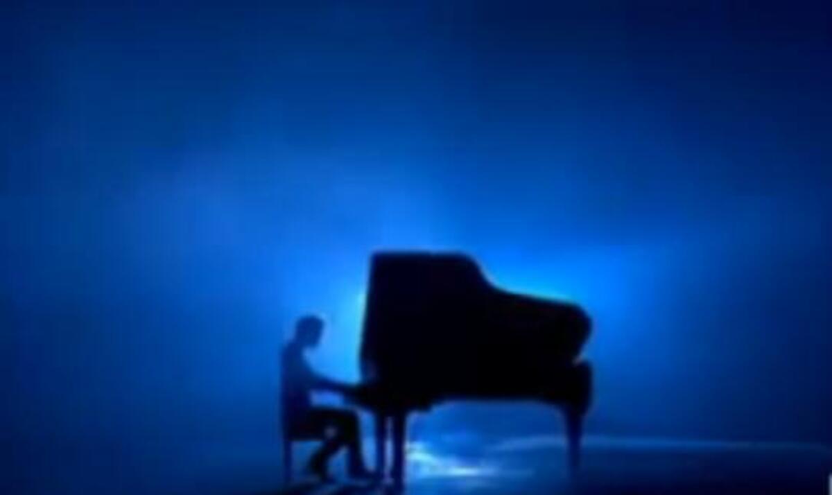 Клип группы Muse - Neutron Star Collision (Love Is Forever)