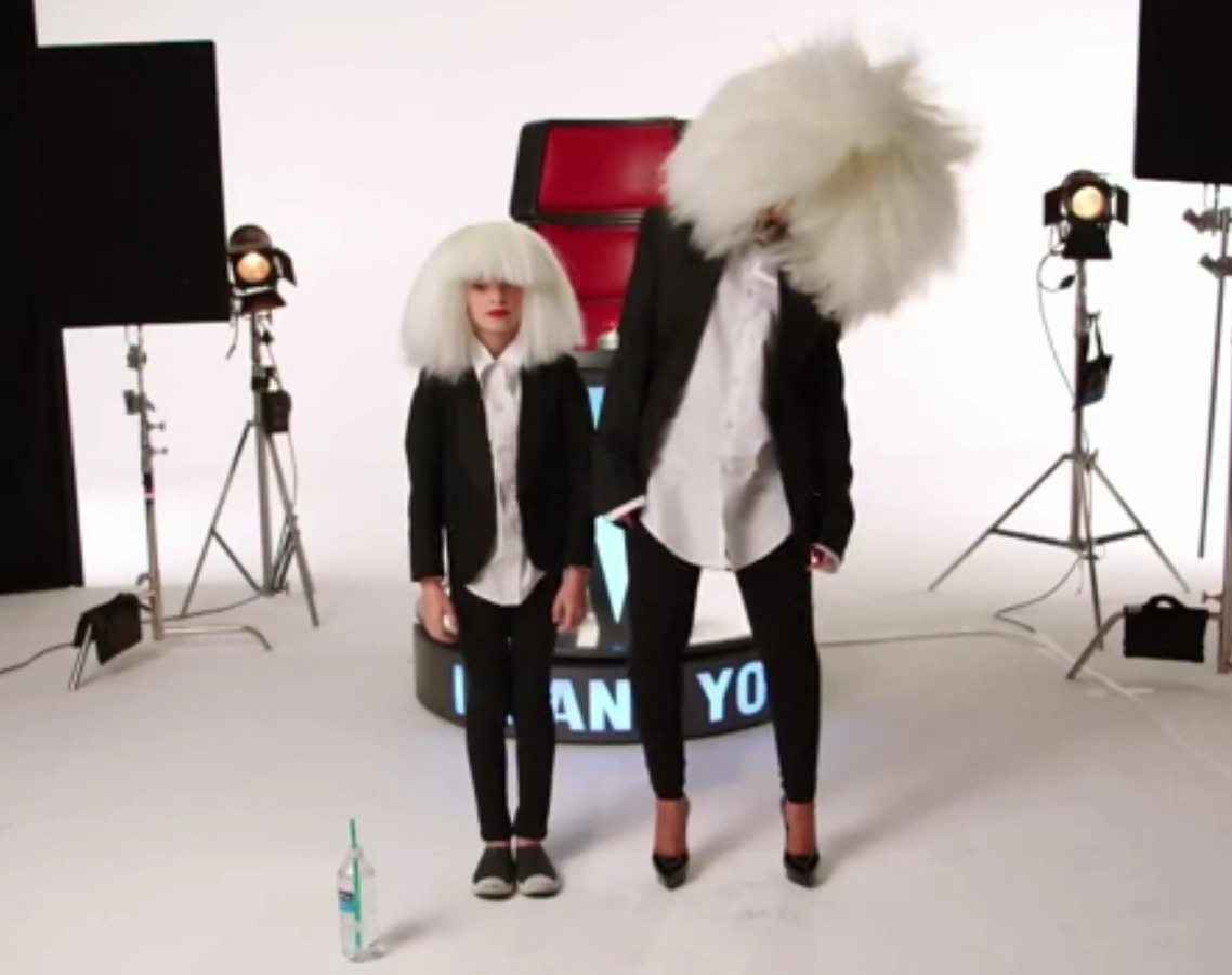 Кристина Агилера пародирует знаменитых певиц на шоу The Voice