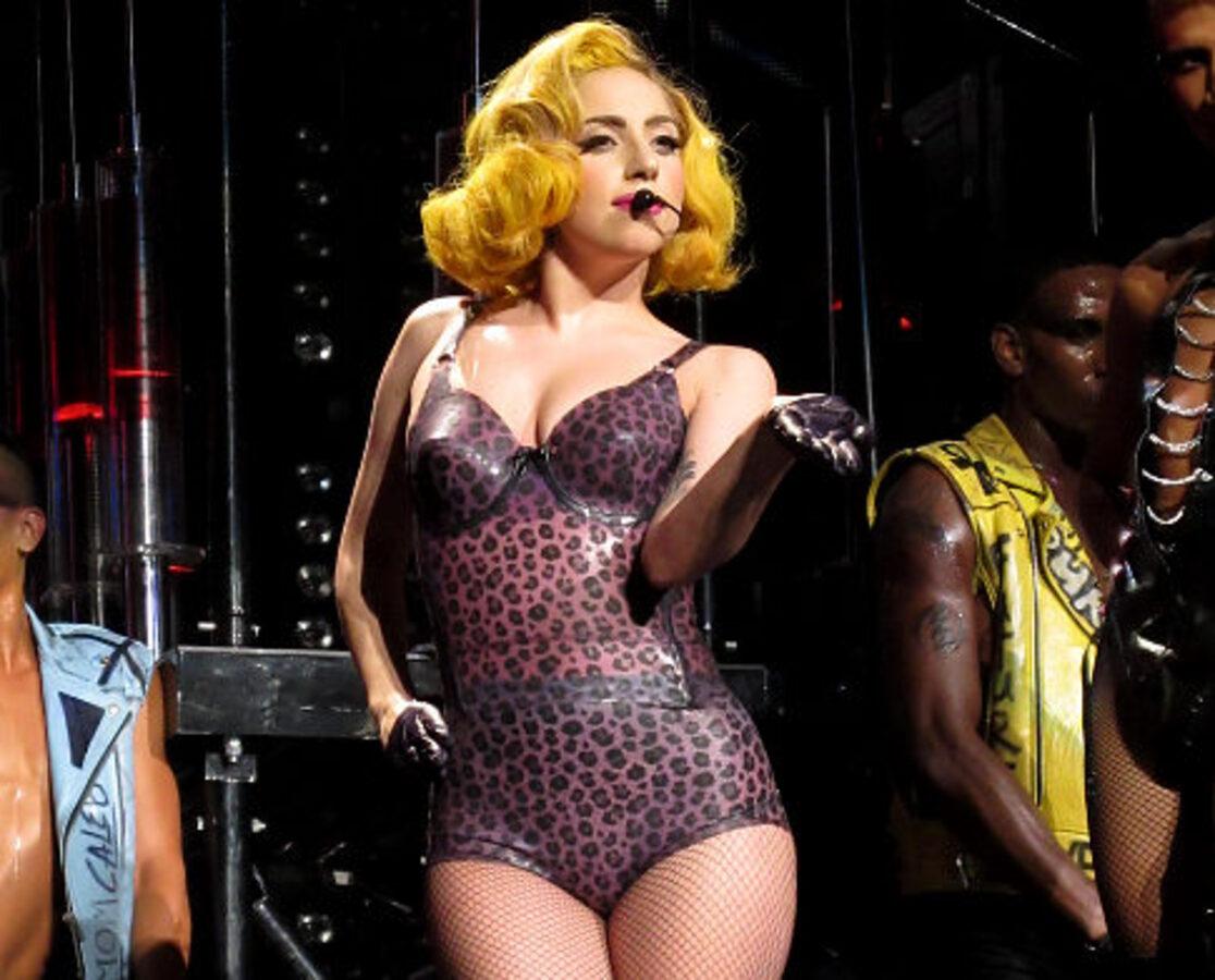 "Дебют новой песни Lady Gaga ""Living On The Radio"""