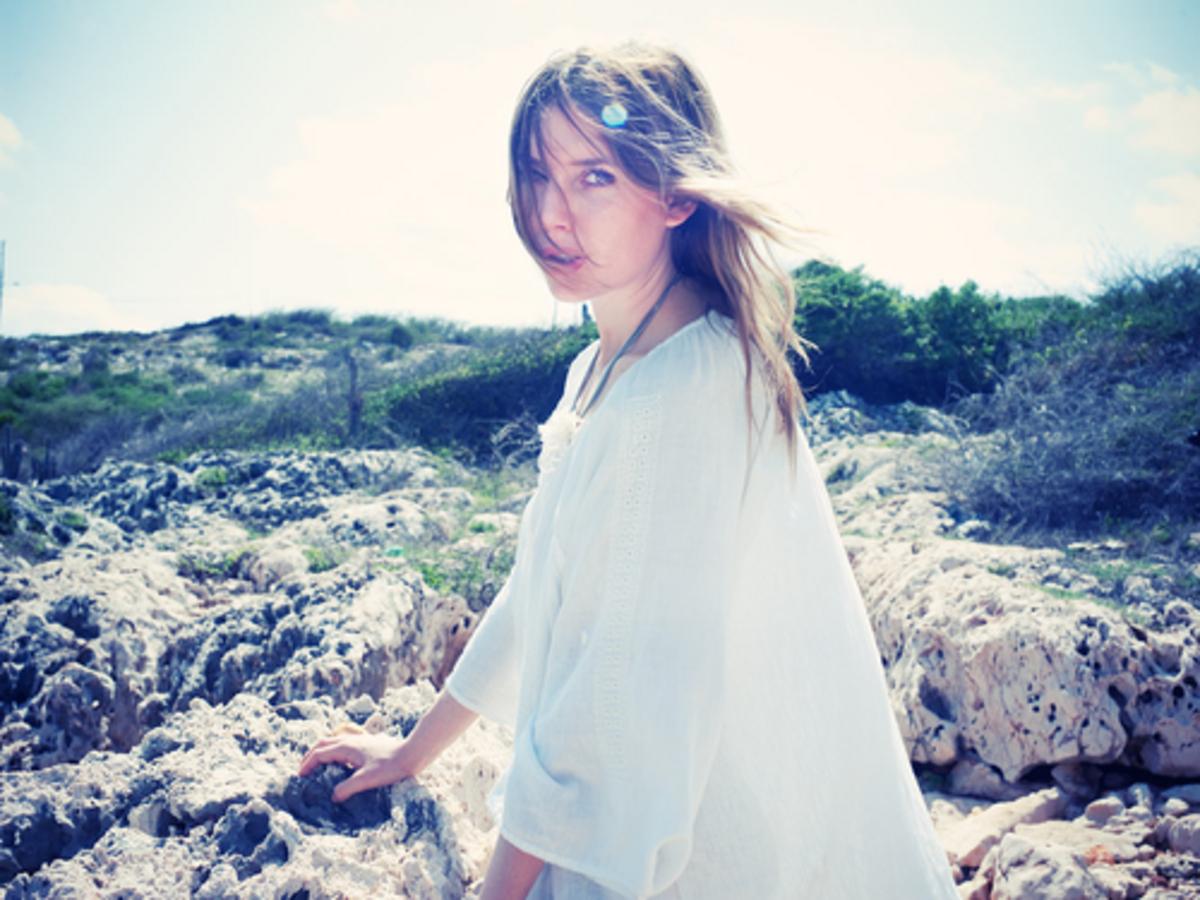 Новый клип Lykke Li - I Follow Rivers