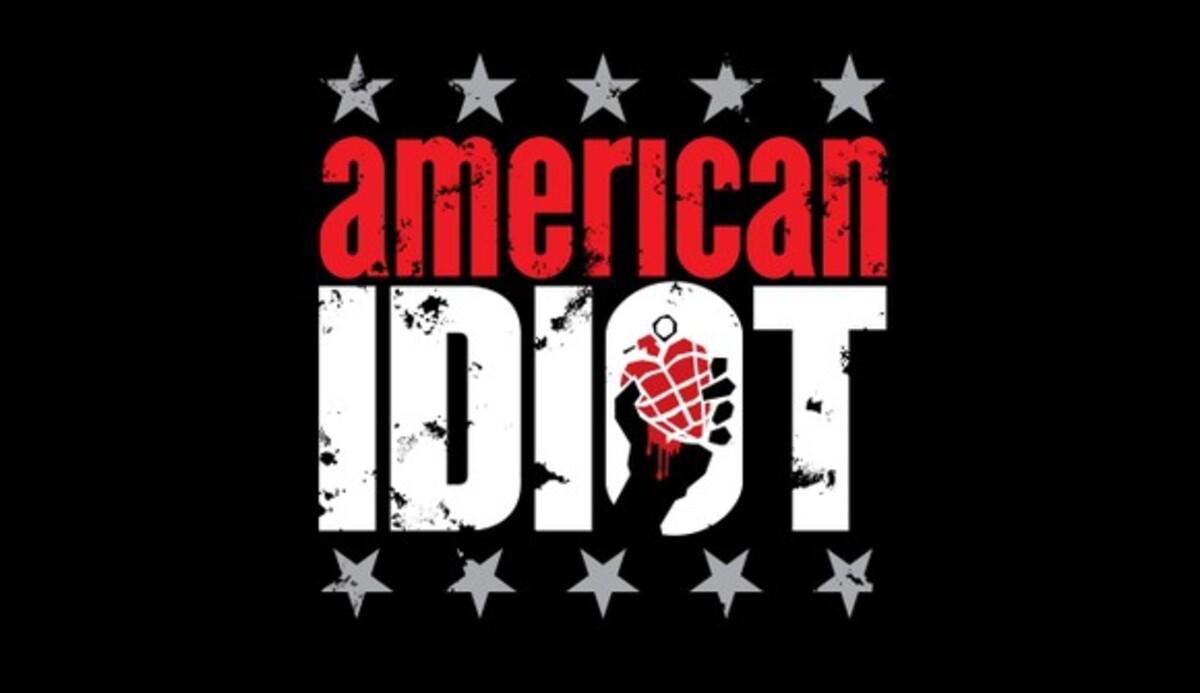 """Universal сделает фильм из мюзикла """"Американский идиот"""""""