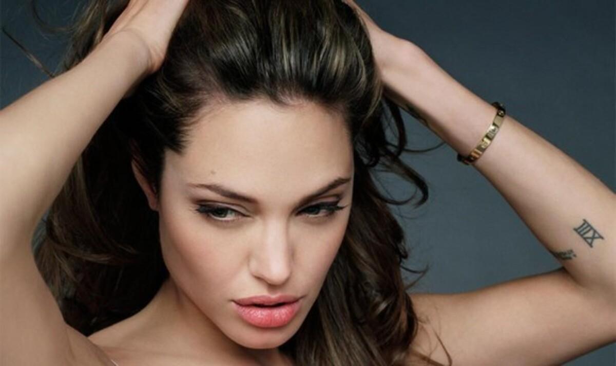 Анджелине Джоли запретили снимать кино