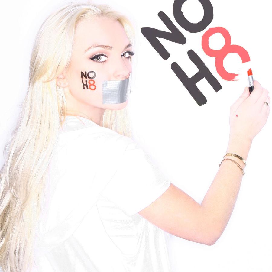 Линдсей Лохан для кампании NoH8