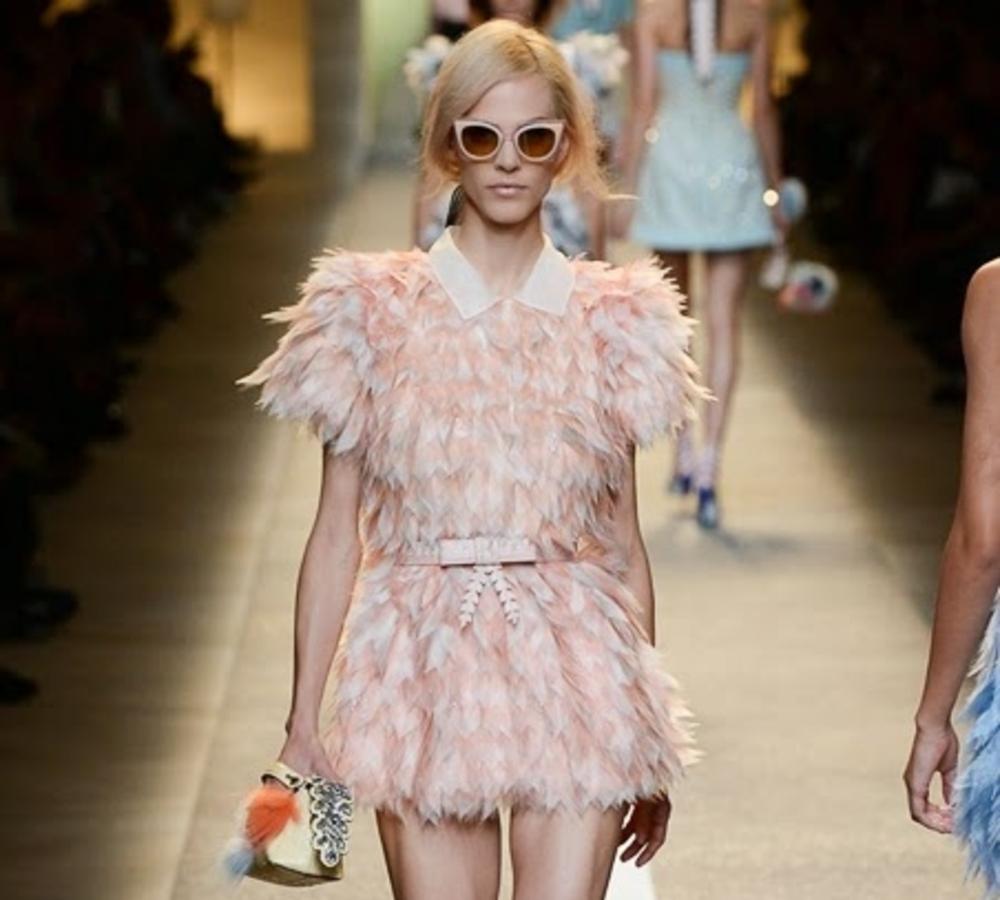 Модный показ новой коллекции  Fendi. Весна / лето 2015