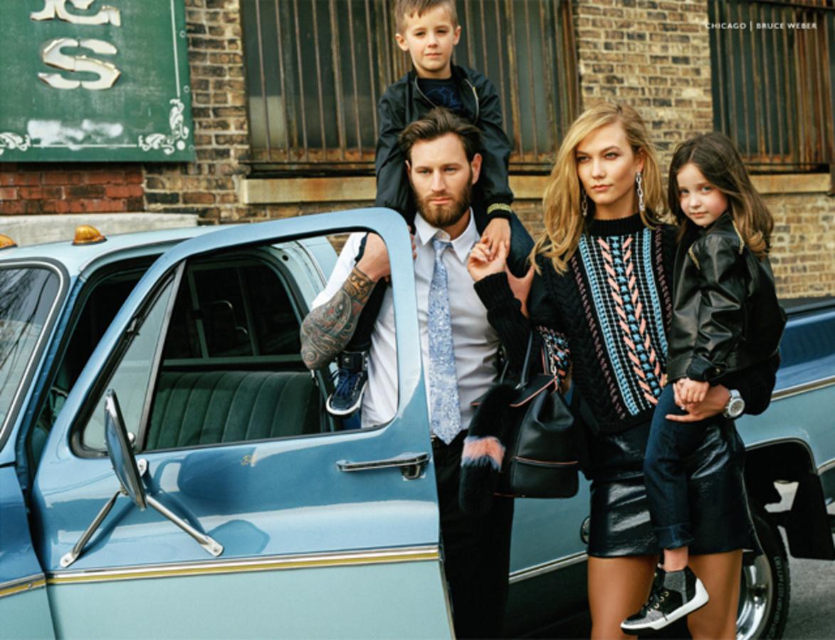Карли Клосс и ДжиДжи Хадид снялись в новой рекламной кампании Versace