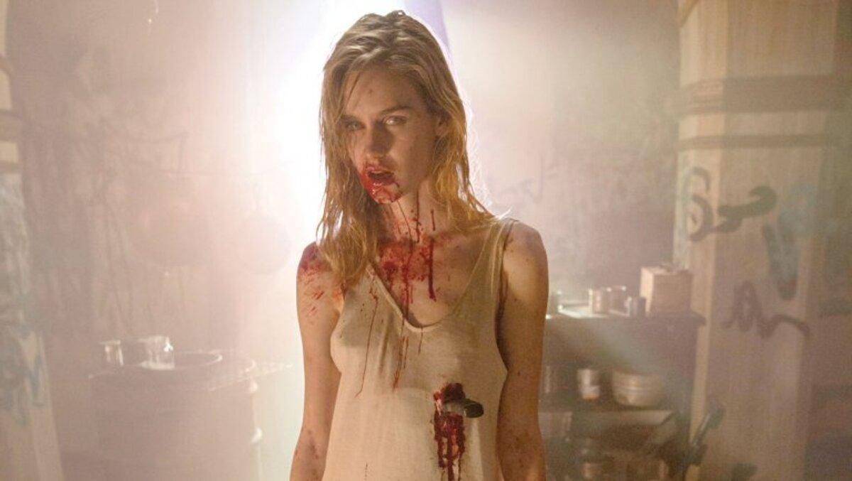 Специальный эпизод «Ходячих мертвецов»: зомби-апокалипсис в отдельно взятом самолете