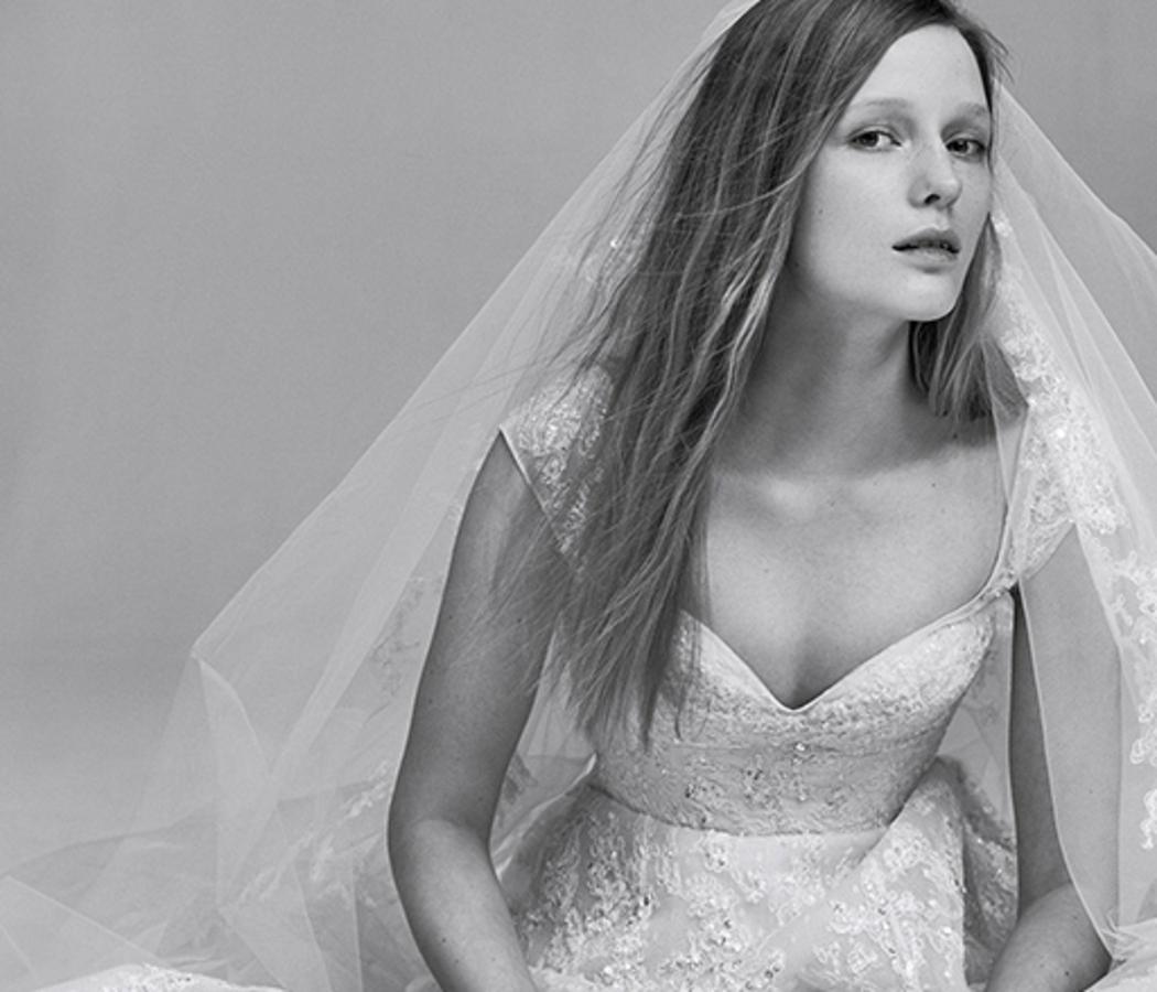Elie Saab выпускает коллекцию свадебных платьев
