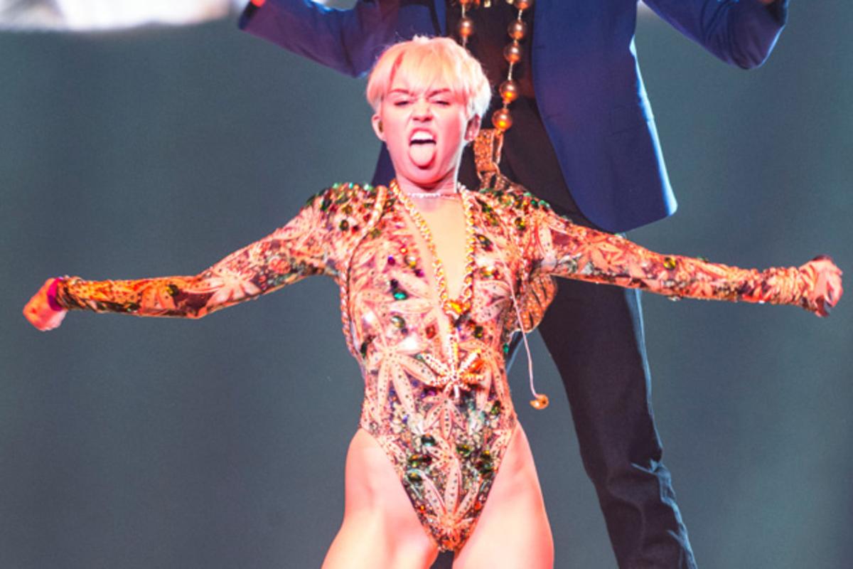 Майли Сайрус возглавила рейтинг самых «плохих» знаменитостей