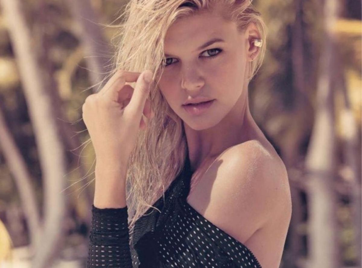 Звезда новых «Спасателей Малибу» Келли Рорбах в фотосессии для GQ