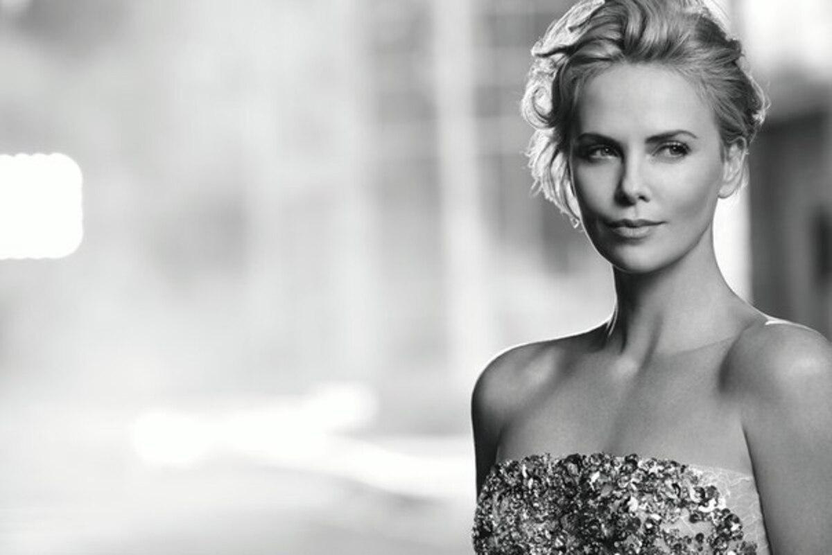 Шарлиз Терон на съемках новой рекламной кампании J'Adore Dior