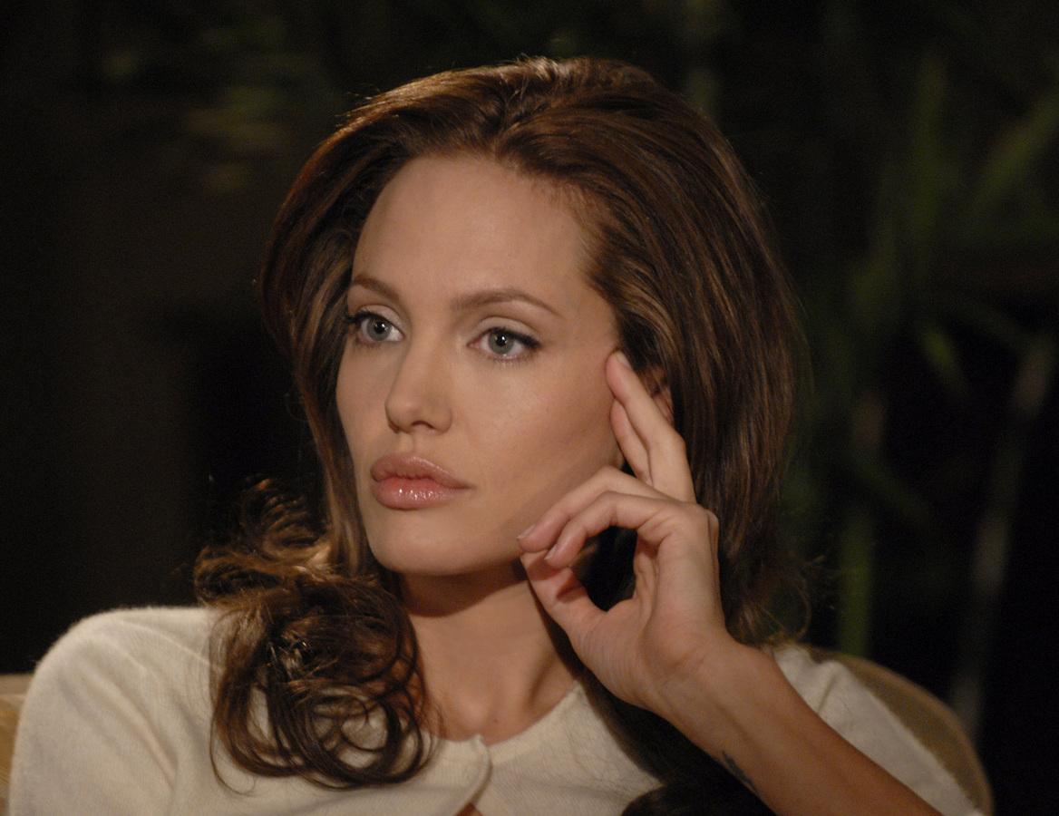 """Анджелина Джоли: """"У меня нет друзей"""""""