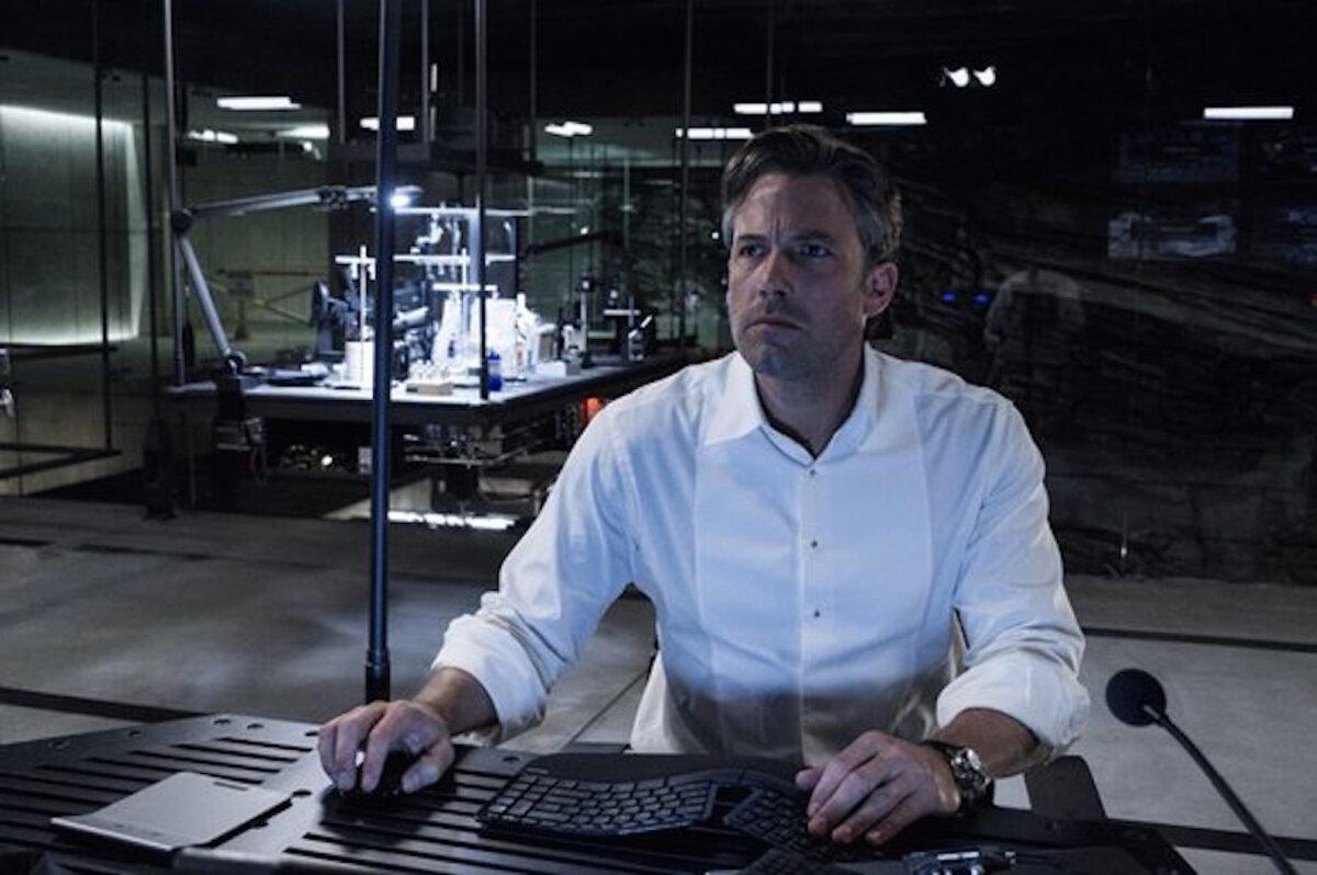 В «Бэтмен против Супермена» Бен Аффлек носил часы за 200 тысяч долларов