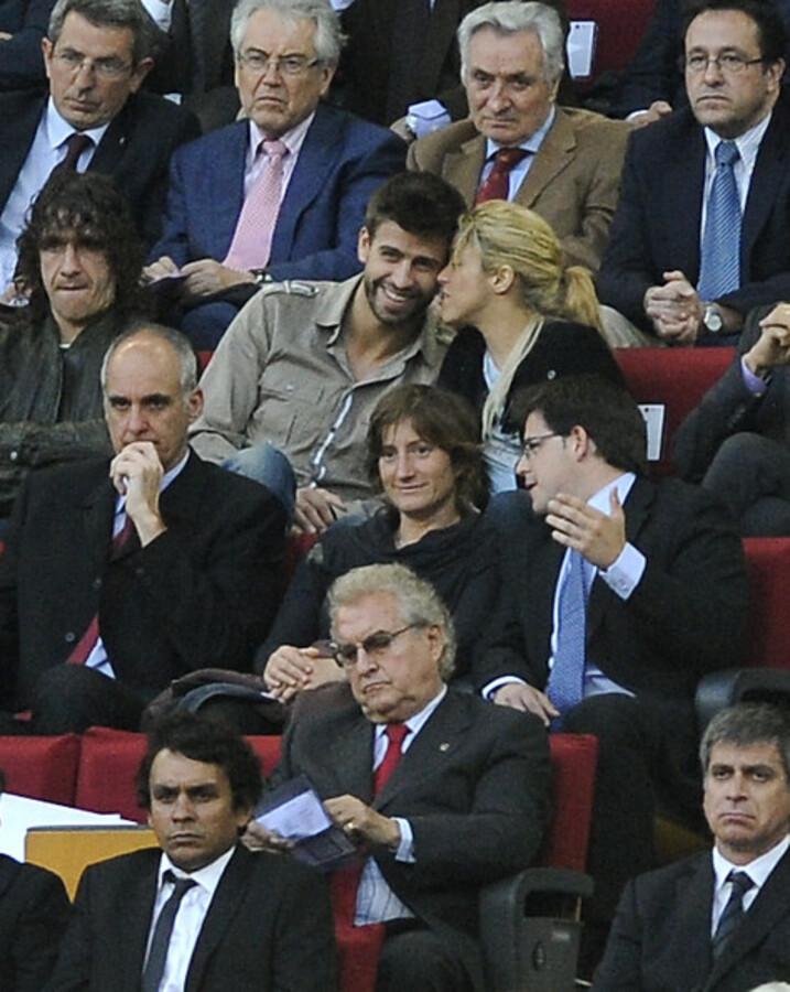 Шакира и Жерар Пике на матче между «Барселоной» и «Осасуной»