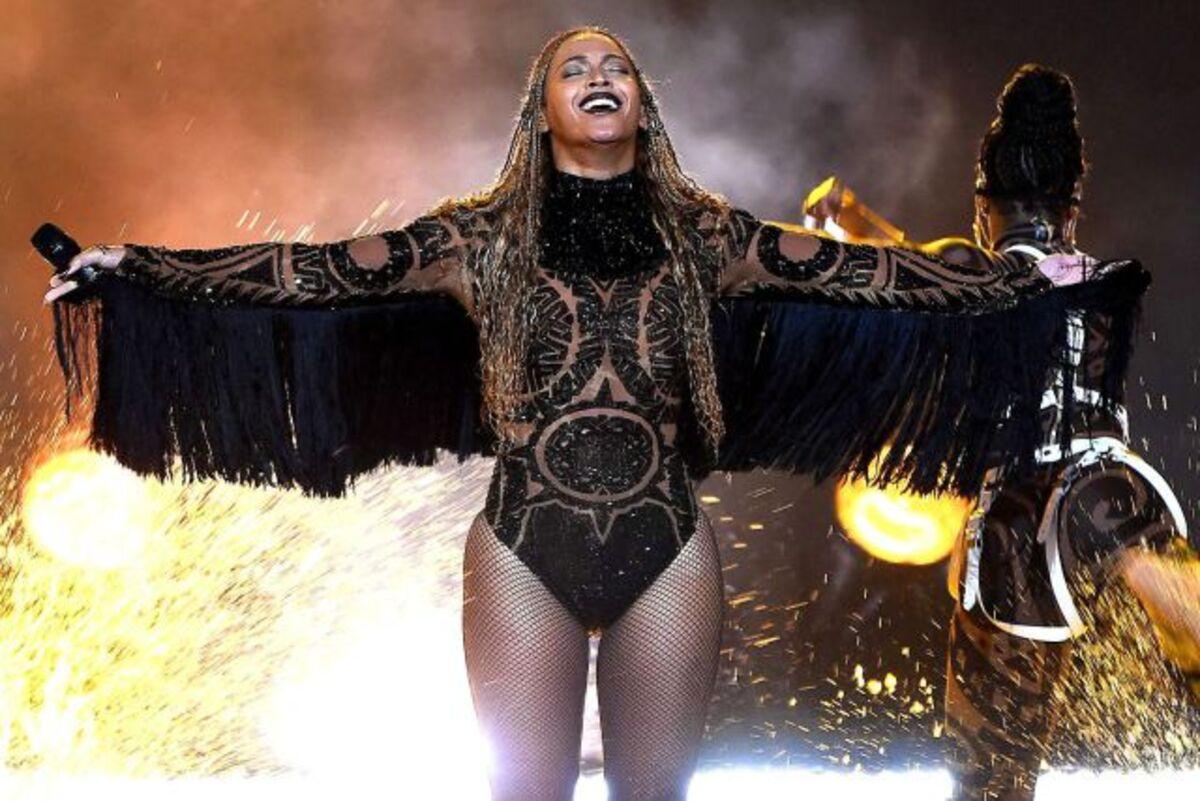 Один-единственный костюм для концертного тура Бейонсе шили три недели