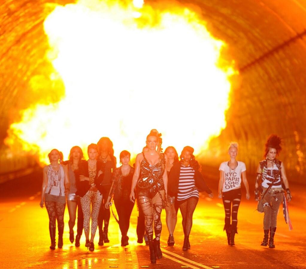 Новый клип Ke$ha - We R Who We R
