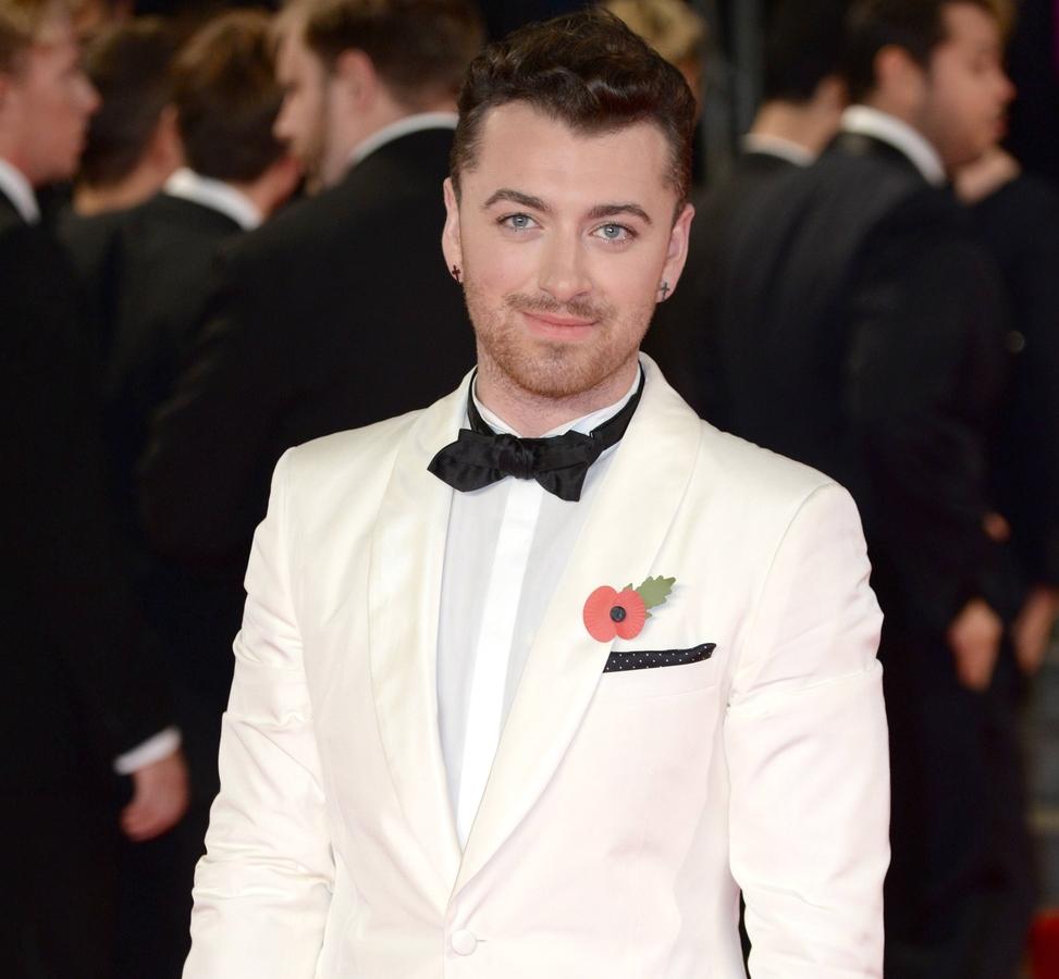 Сэм Смит признался, что ему не нравится исполнять песню из Бондианы