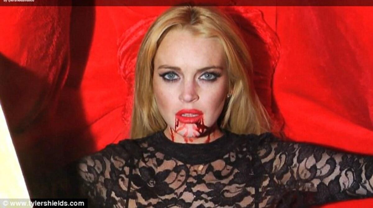 Линдсей Лохан стала вампиром
