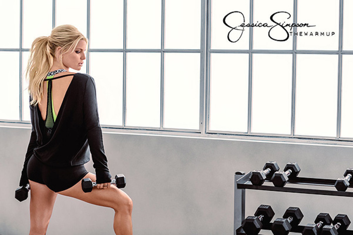 Джессика Симпсон снялась в лукбуке своей спортивной коллекции
