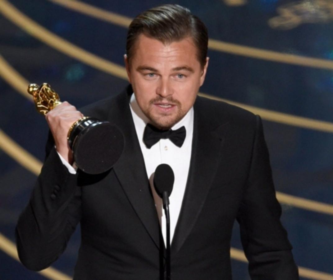 Видео: Леонардо ДиКаприо получает свой первый «Оскар»