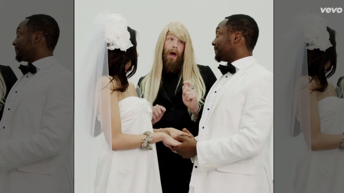 Новый клип Will.i.am и Коди Вайса - It's My Birthday