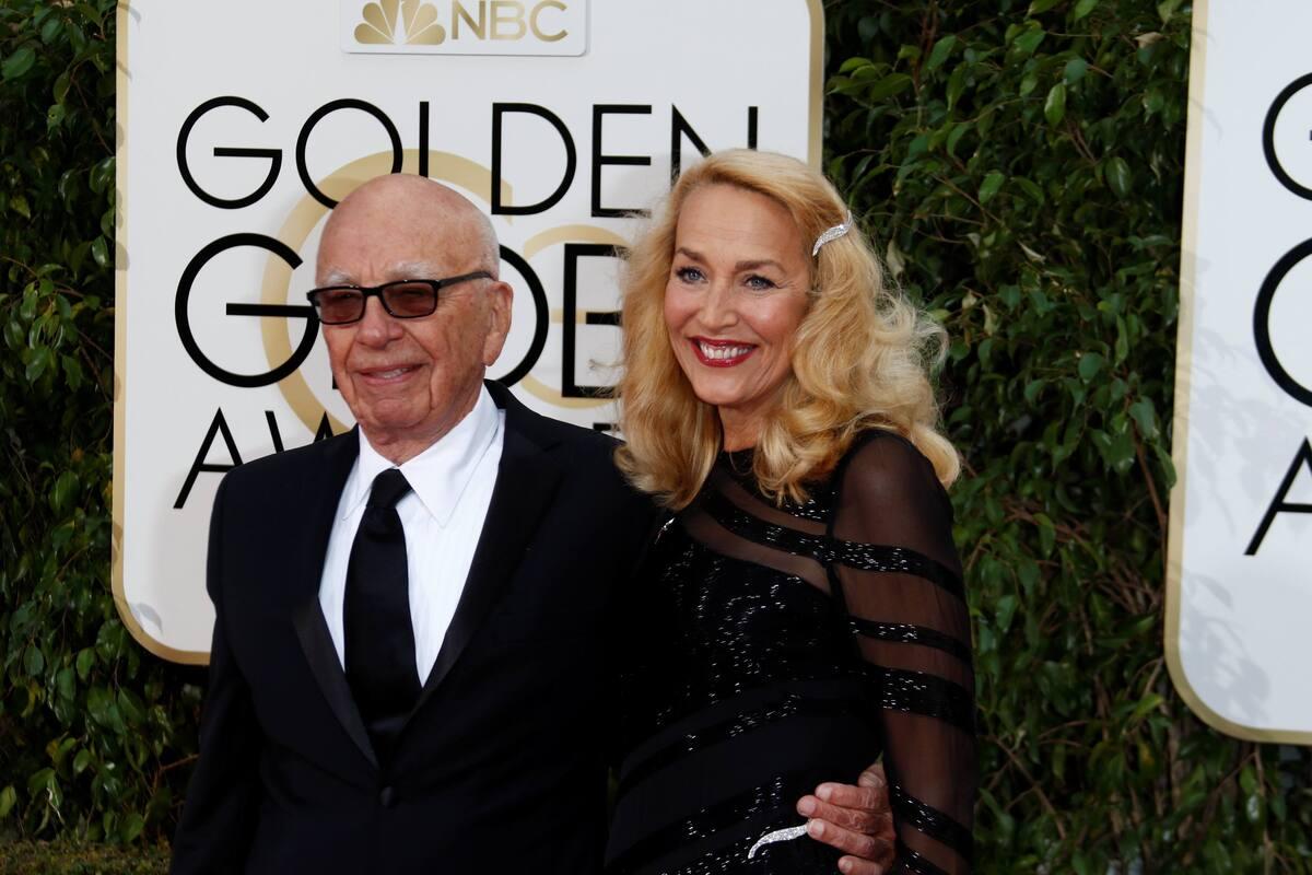 59-летняя модель Джерри выходит замуж за 84-летнего бойфренда