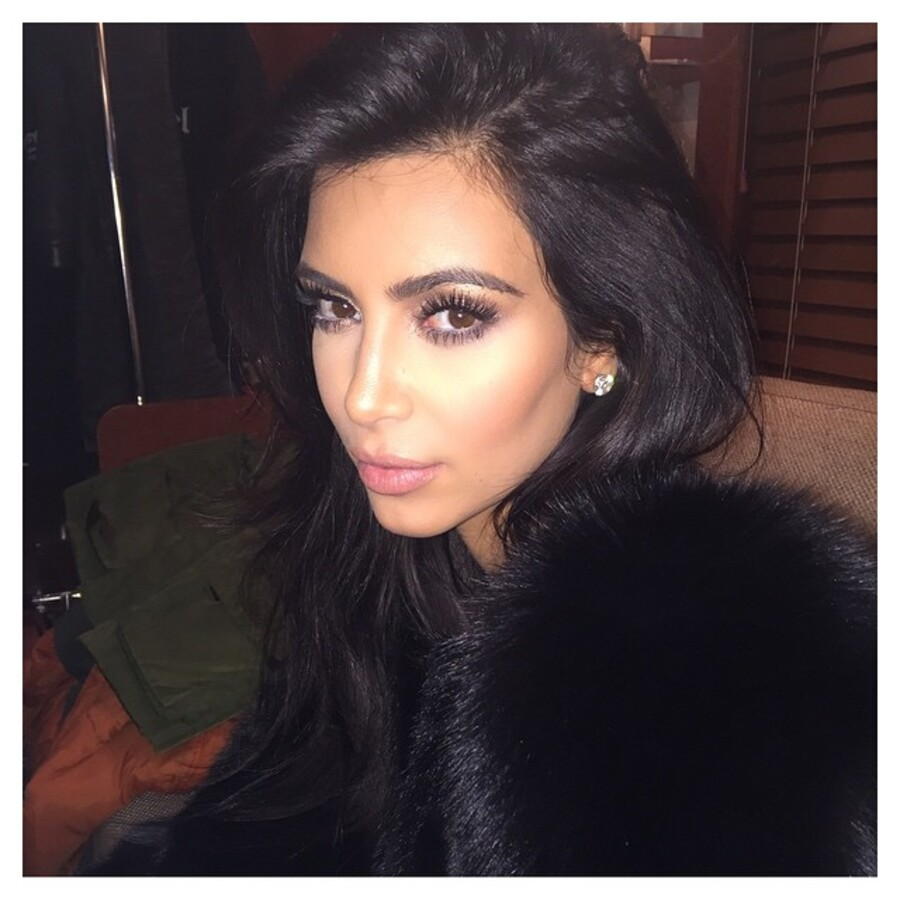 Беременная Ким Кардашьян поделилась в Instagram «голым» селфи