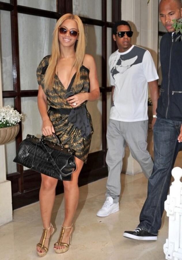 """Бейонсе и Jay-Z в Париже. """"Маленький"""" конфуз Jay-Z"""