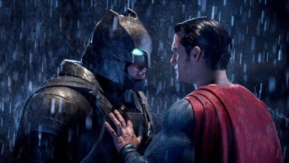 «Бэтмен против Супермена» может стать самым кассовым супергеройским фильмом в истории