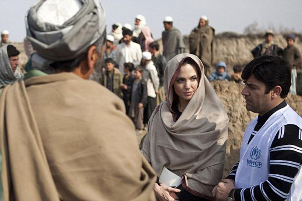 Видео: Анджелина Джоли сделала заявление по поводу беженцев из Ливии