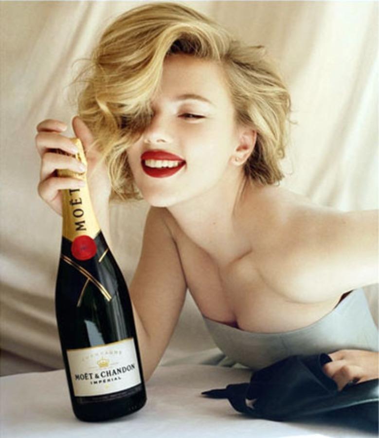 Скарлетт Йоханссон в рекламе шампанского Moët & Chandon