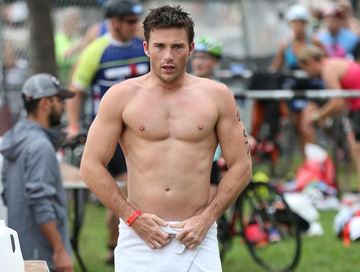 Фото: Скотт Иствуд поучаствовал в триатлоне