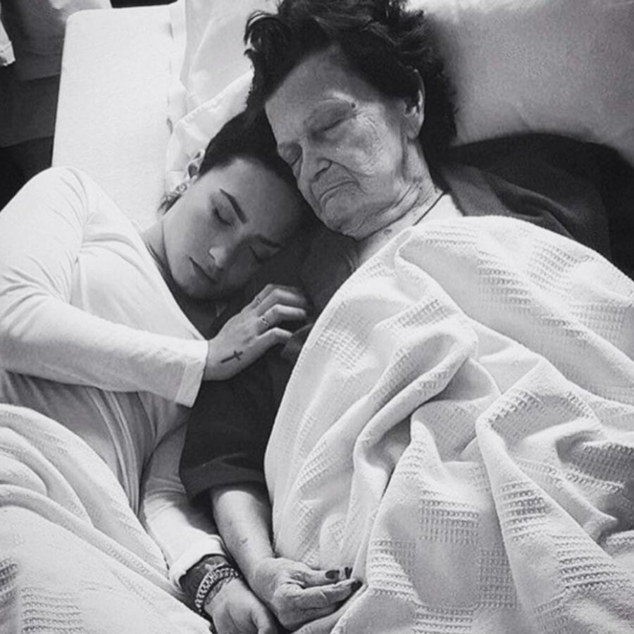 Деми Ловато потеряла прабабушку